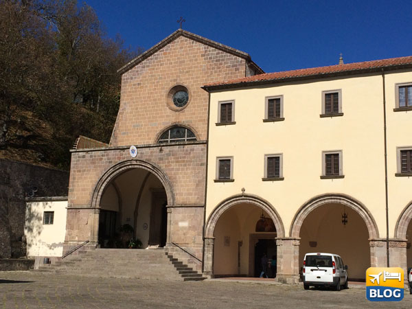 Roccamonfina: Il Santuario di Santa Maria dei Làttani