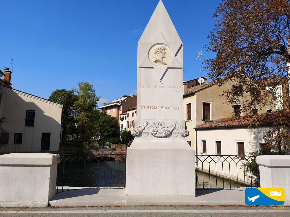 Statua di Dante a Treviso