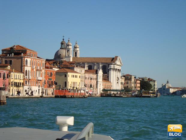 Vaporetto Numero 1 a Venezia tour panoramico